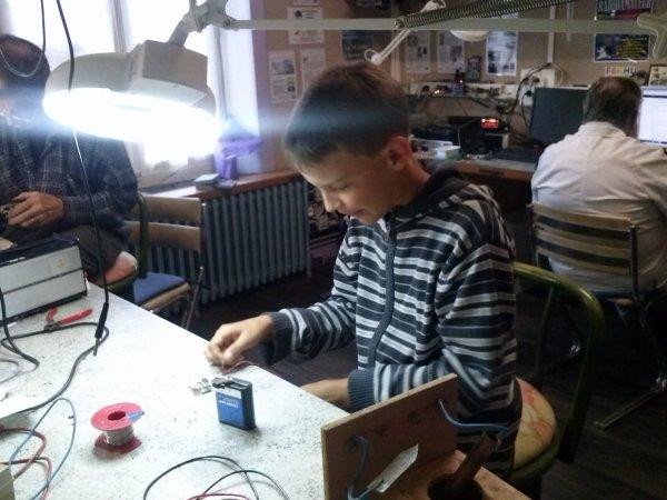Découverte de l'électronique par les plus jeunes.