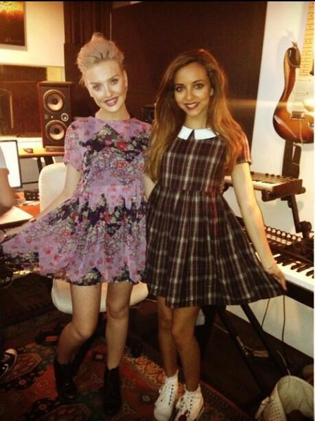 Perrie et Jade au studio aujourd'hui . 02/09/13
