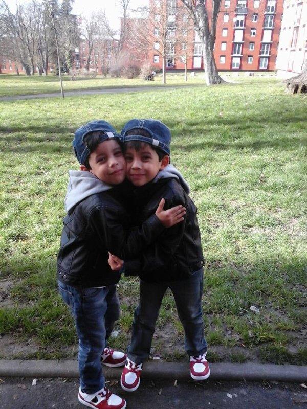 mes  amours   de  jumeaux   trop  mimi