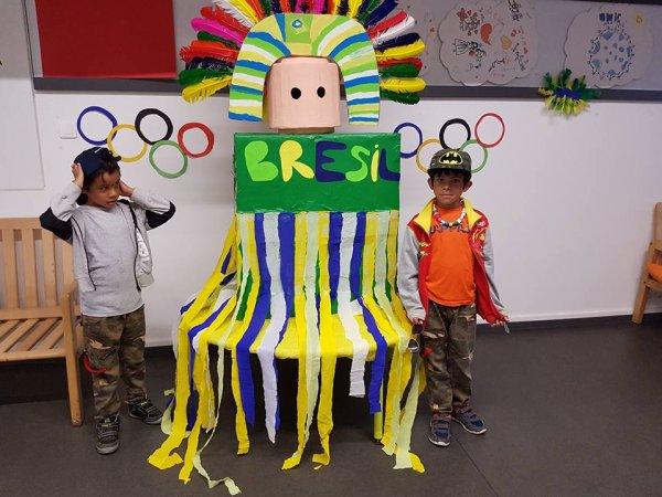 mes  loulous   au centre  de  loisir   activités   sur  le  Brésil   pour  les  jeux  olympiques