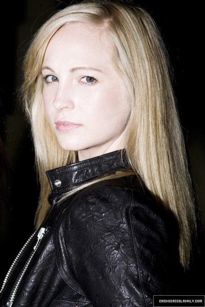 Photoshoot Candice Accola Self Assigment