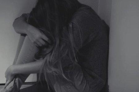 ~1. Tu vois ces larmes sur ma joue? C'est l'amour dont tu te fous..