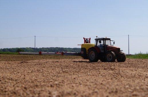pulvérisation sur champ maîs