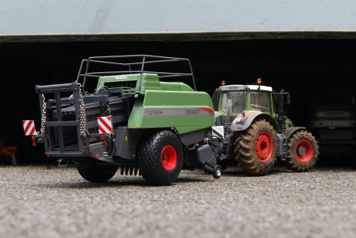NEW big fendt 12130N
