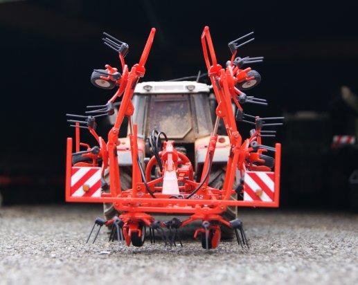 NEW Faneuse Kuhn GF 6502