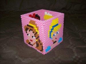 """pot à crayons en perle hama """" princesses """""""