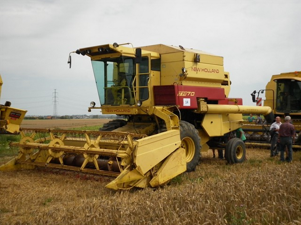 Modification New Holland TR 70 encours...!