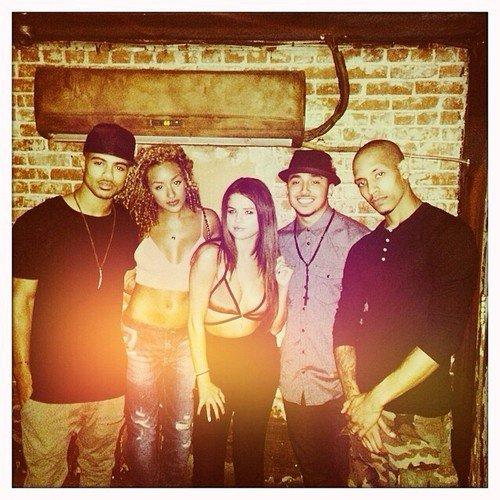 Selena et des amis !