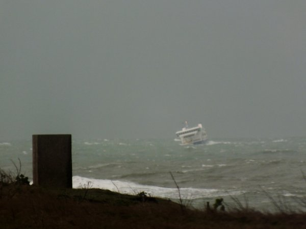 Et soudain le bateau de Belle ile... Partant au lof...