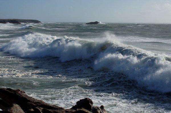 Allez une petite série sur la côte sauvage... Par moment on ne devait pas être loin de 7m à la crête. Spectaculaire