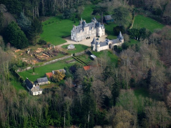 Chateau Nec'Hoat à Morlaix dont certains chênes ont dû malheureusement affronter la tempête Zeus.