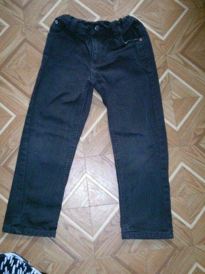 taille 4 ans  pantalon  2euro   jeans 5euro