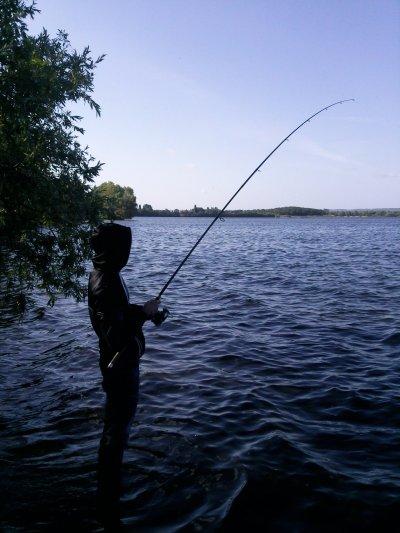 bonne petite matinée de pêche (estevan) fait 3 brochet dont 1 décroché au bord le premier (1.2 kg pour 30 cm) le deuxième (1.8 kg pour 60 cm) et le dernier (2 kg pour 63 cm)