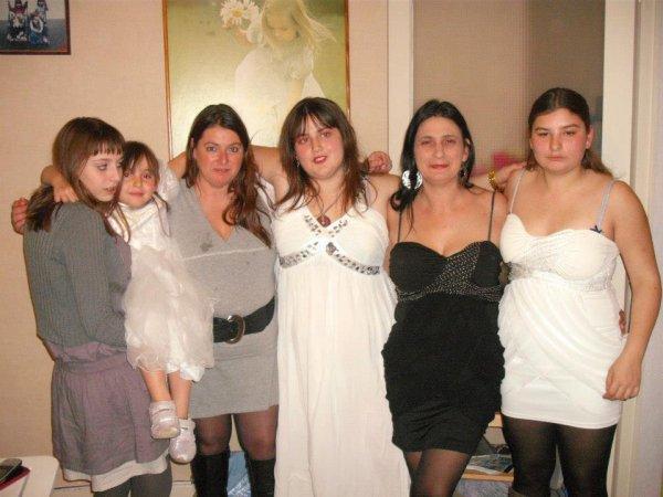 ma mere mes soeurs d amis et moi