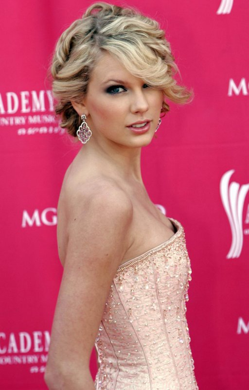 2) Académie of Country Music Awards 2007