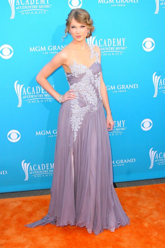 2) Académie of Country Music Awards 2010