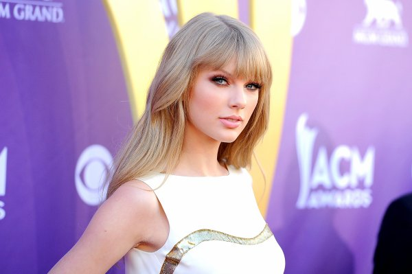 2) Académie of Country Music Awards 2012