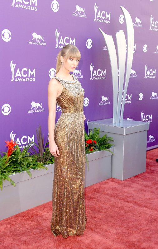 2) Académie of Country Music Awards 2013