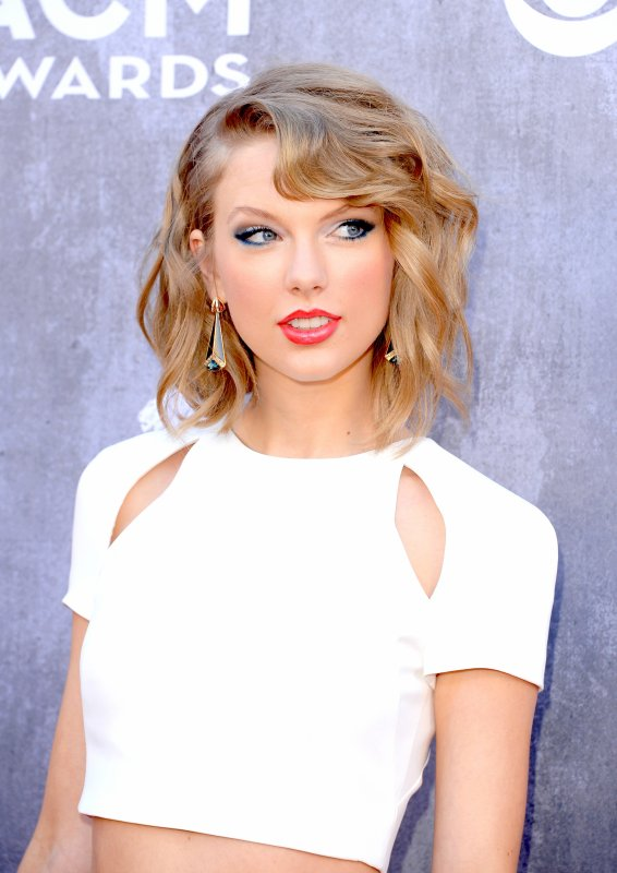 2) Académie of Country Music Awards 2014