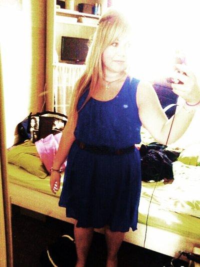Je ne suis peut etre pas Comme toute c'est Belle fille , Mais je suis comme je suis et je sais qu'un jour J'obtiendrais le Pourquois de ma vie .♥