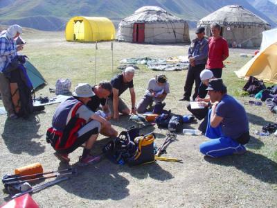 Expédition au Pic Lénine - Kirghizstan (08/2006) Solidarité entre Alpinistes