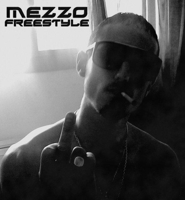 C'est la zonne / Mezzo - Petit Freestyle Solo. 2012 (2012)