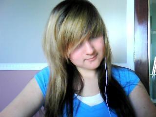 Noir, brun, blond ou autre ?! *Quelle couleur de cheveuz me faire ?! =|*