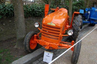 rassemblement de tracteurs anciens gournay en bray le 27 mars 2010 autos anciennes par mikeoise. Black Bedroom Furniture Sets. Home Design Ideas