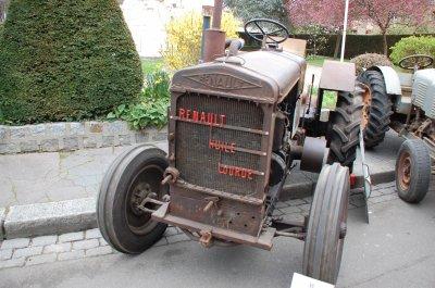 rassemblement de tracteurs anciens gournay en bray le 11 avril 2015 autos anciennes par mikeoise. Black Bedroom Furniture Sets. Home Design Ideas