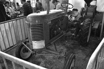 Rassemblement de tracteurs anciens au marché fermier de Beauvais le 14 octobre 2018