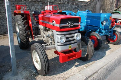 Rassemblement de tracteurs anciens à Gournay-en-Bray le 13 avril 2019