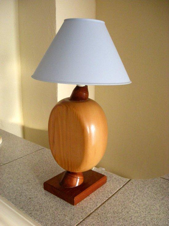 top marvelous lampe de chevet exotique lampe de chevet en bois exotique et sapin with chevet. Black Bedroom Furniture Sets. Home Design Ideas