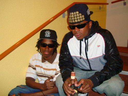 Tinooz(kooz) & TijahYoh