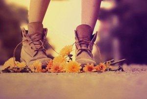 La vie est courte. C'est pourquoi je réfléchis moins et agis plus.