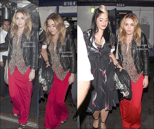 """.28/10/11   ▬ _""""  Notre Manifique Miley Cyrus  ont été aperçues quittant l'anniversaire de Kelly à West Hollywood. .J'aime pas Le Tenue De Mil Trés Flop mais Miley Reste la Plus Belle ♥ Ton Avis ?  ."""