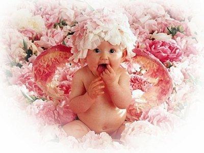 Un petit bébé ange pour dire à demain....