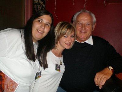 2 anges auprès de papa Pierre!!!!