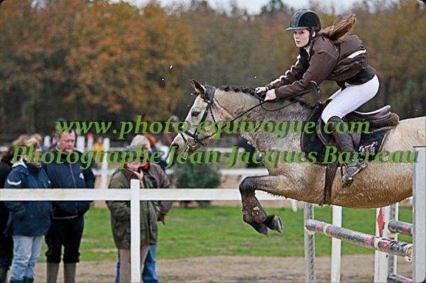 04 Décembre 2011 - Doué La Fontaine - Poney 1 et As Ponam D1
