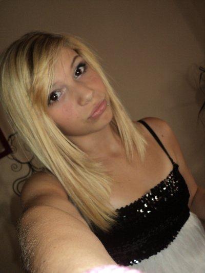 .{ Lorena - 14 ans - Celibataire   .  }