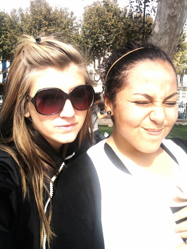 Amel & Coralie <3