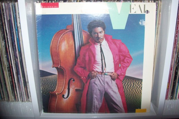 Charles VEAL - Don't Tell Me That It's Over 1981 LP  CAPITOL Records.