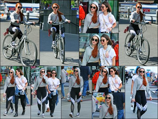 -09/07/2017- ─ Madelaine Petsch a été photographiée alors qu'elle se promenait dans les rues, de Vancouver, au Canada.La belle Madelaine Petsch était accompagnée de son amie Adelaide Kane, Madelaine a également fait du vélo avec elle. Concernant sa tenue c'est un top