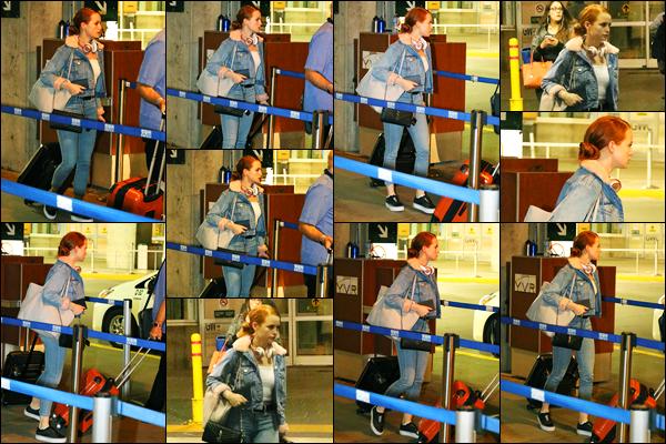 24.09.2017 ─ Madelaine Petsch a été photographiée, alors,  qu'elle arrivait à l'aéroport étant dans Vancouver, CA.La belle M. est donc de retour au domicile, finis la Californie. Concernant sa tenue, je suis totalement fan de son look, c'est donc un beau top de ma part.
