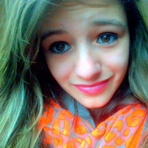Avant mes yeux brillaient d'amour pour toi, maintenant ils brillent de haine envers toi.