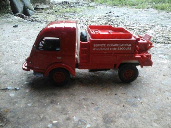 Un Renault galion pompier
