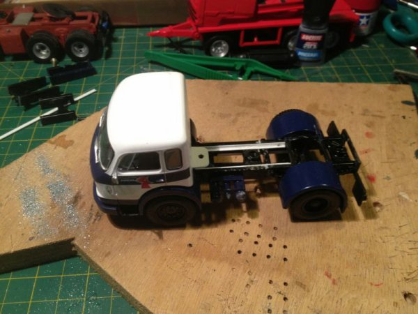 Un tracteur de lami lazar Yves