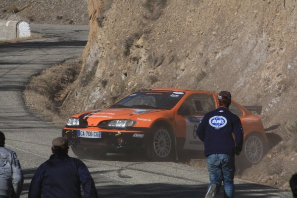 Rallye de Vaison 2012 - Sortie de route Habouzit/Clio Williams + Ruiz/Mégane
