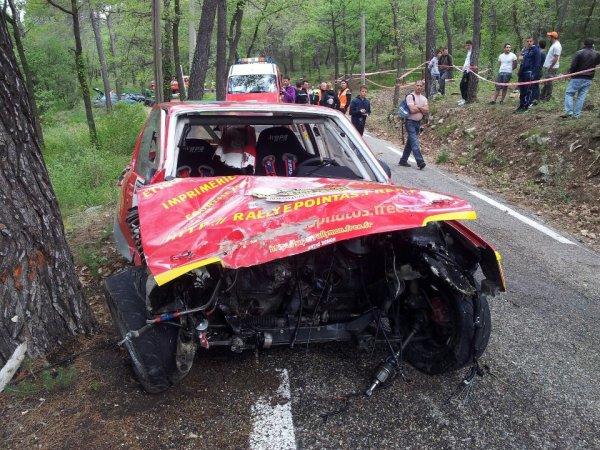 Ronde de la Durance 2012 - Stéphane Point/Peugeot 205 & José Sanchez/Renault 4L (Crash)