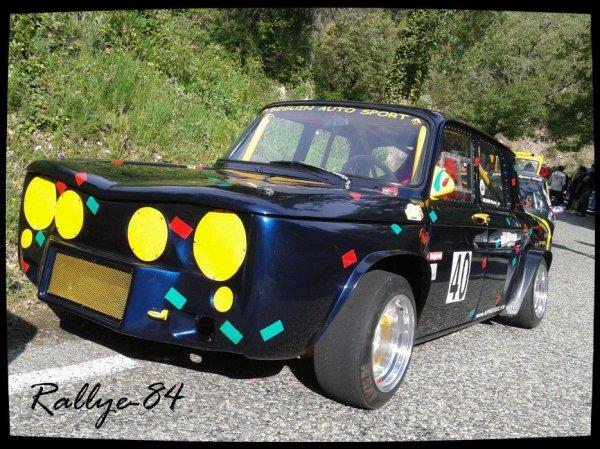 Montée historique de Murs 2012 -  Renault 8