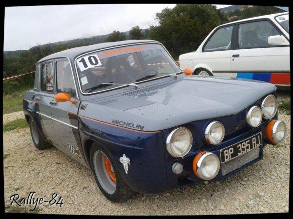 Montée historique de Lioux 2013 - Renault 8